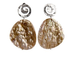 Alexia_earrings_shell